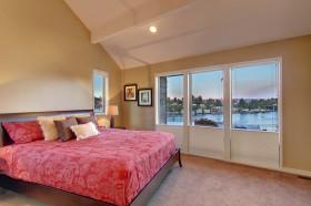 120平米斜顶阁楼卧室装修效果图片