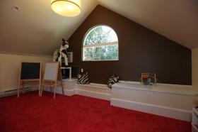 美式斜顶阁楼装修设计图片