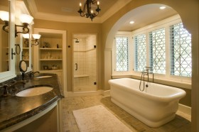 欧式别墅卫生间浴缸装修效果图