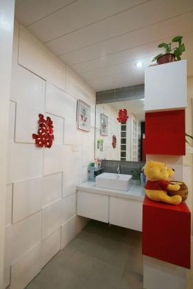 现代简约婚房洗手间装修效果图