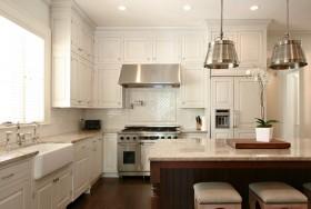 最新欧式厨房橱柜装修效果图
