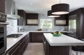 美式现代厨房装修效果图