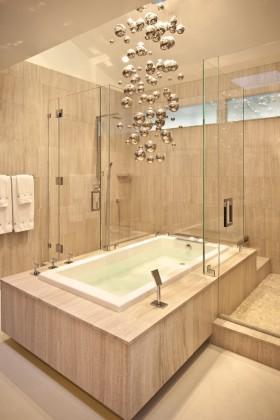 大卫生间浴缸装修图