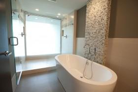 卫生间浴缸实景