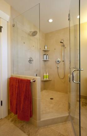 小户型卫生间暖色调装修设计