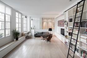 极简主义小户型客厅兼书房图片