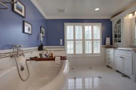 地中海风格卫生间浴缸装饰效果图