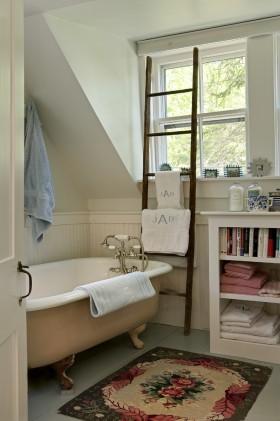 小卫生间浴缸装饰设计图