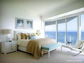 海滨复式楼二楼主卧室装修效果图