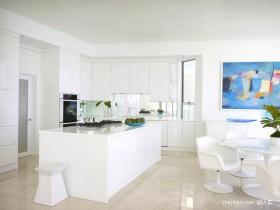 海滨复式楼开放式厨房装修设计效果图