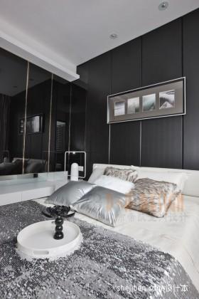 2013现代三居主卧室装修效果图
