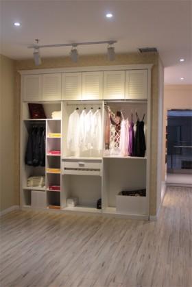 2013现代卧室衣柜效果图