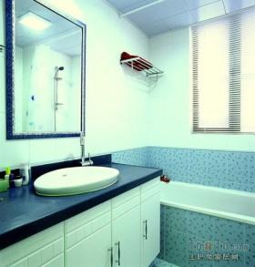 现代简约卫生间装修效果图片