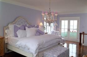 欧式紫色大卧室装修效果图