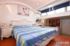 欧式卧室地台装修效果图