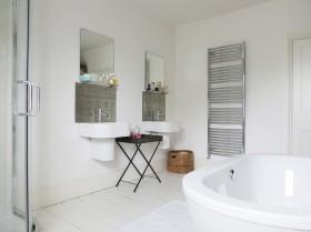 现代卫生间浴缸效果图