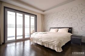 现代复式主卧室装修效果图