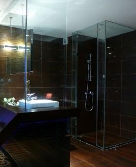 卫生间玻璃门装修效果图欣赏