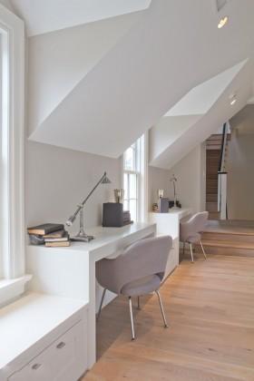 现代斜顶阁楼装修效果图