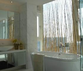 现代简约小卫生间浴缸装修效果图大全