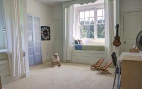 2013最新现代卧室飘窗装修效果图