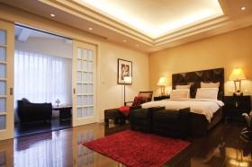 现代风格主卧室装修效果图大全