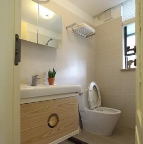 现代小型卫生间装修效果图大全