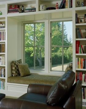 简约舒适书房带飘窗装修效果图