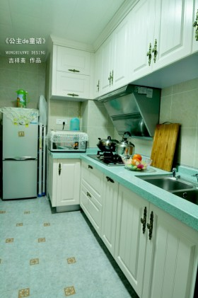家装小厨房整体橱柜效果图欣赏