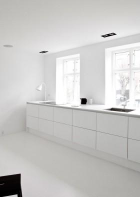 现代白色开放式厨房装修效果图