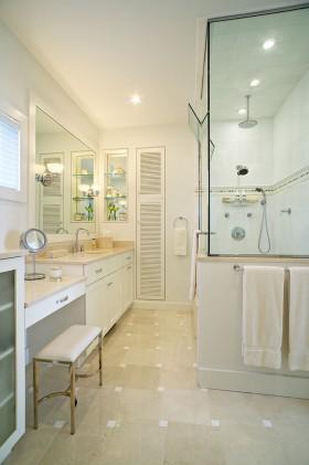现代卫生间地板砖装修效果图