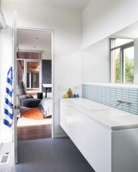 现代风卫生间浴室柜效果图