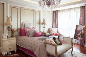 豪华别墅欧式卧室装修效果图