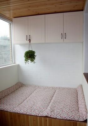 最新现代阳台榻榻米装修效果图