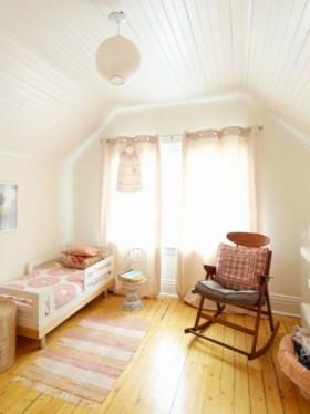现代阁楼卧室装修效果图欣赏
