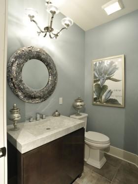 现代简约家庭小卫生间装修图