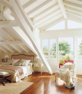 斜顶阁楼卧室装修效果图片大全