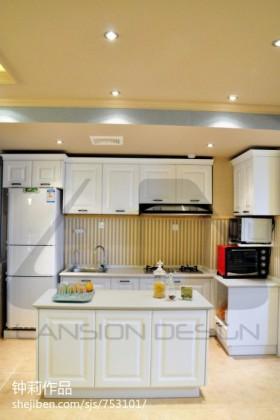 现代家居开放式厨房装修设计图