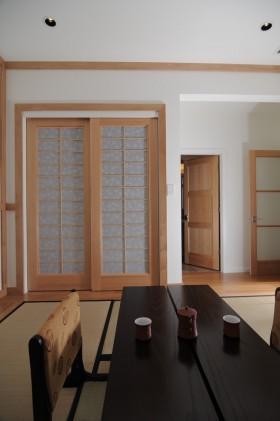 日式客厅榻榻米装修效果图