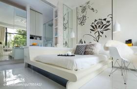 单身公寓卧室榻榻米垫子效果图