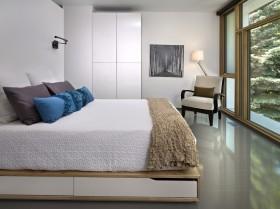 现代卧室实木床图片