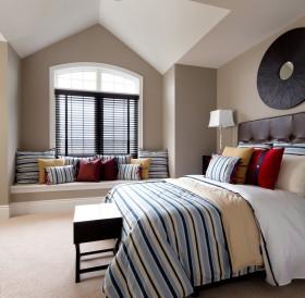 地中海风格卧室飘窗设计效果图