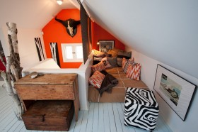斜顶阁楼小卧室装修效果图