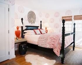 阁楼卧室壁纸装修设计图