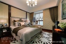 2013风格新婚主卧室壁纸飘窗装修图片