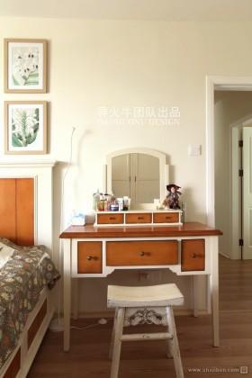 现代卧室梳妆台装修效果图