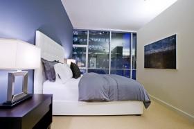现代主卧室床头软包装潢设计图片