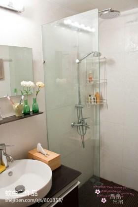 现代小卫生间淋浴喷头图片