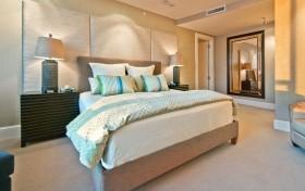 卧房床头软包装修图片