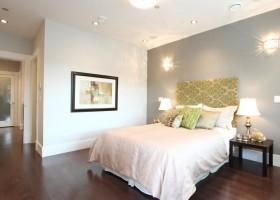主卧室木地板装修效果图欣赏